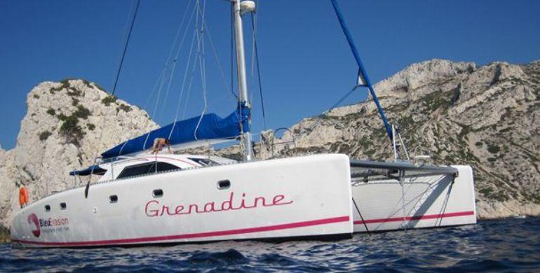 Pourquoi et quand faut-il faire une visite des Calanques en bateau ?
